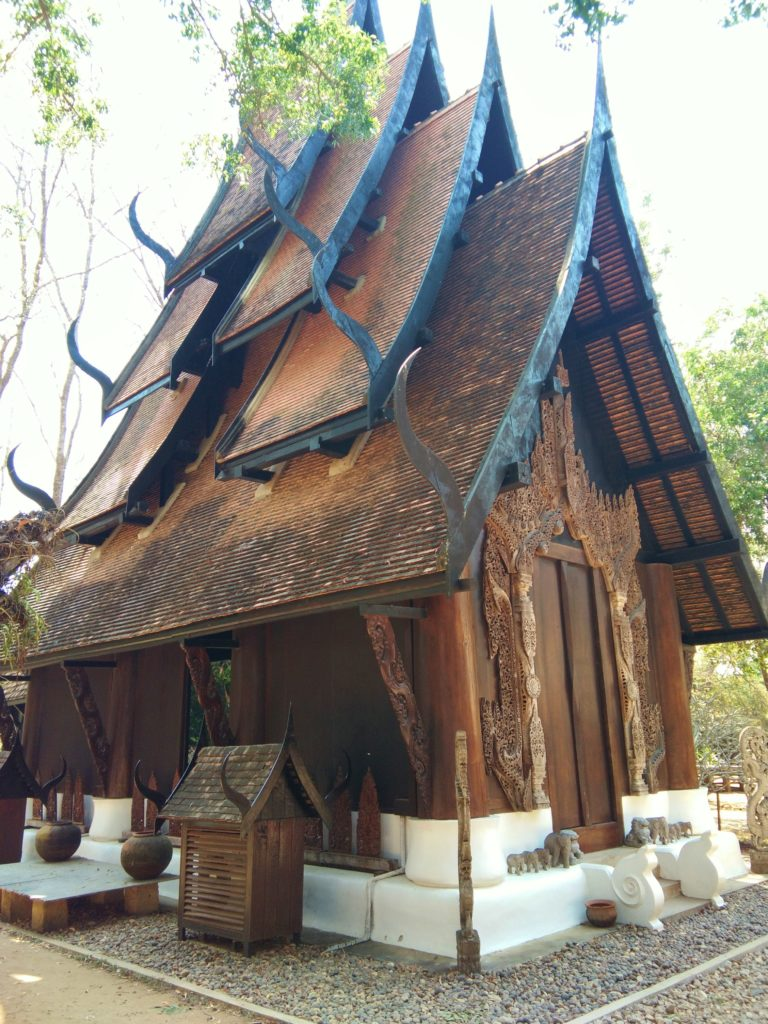 Rong Sear Tean Temple - Chiang Rai www.knowntoventure.com