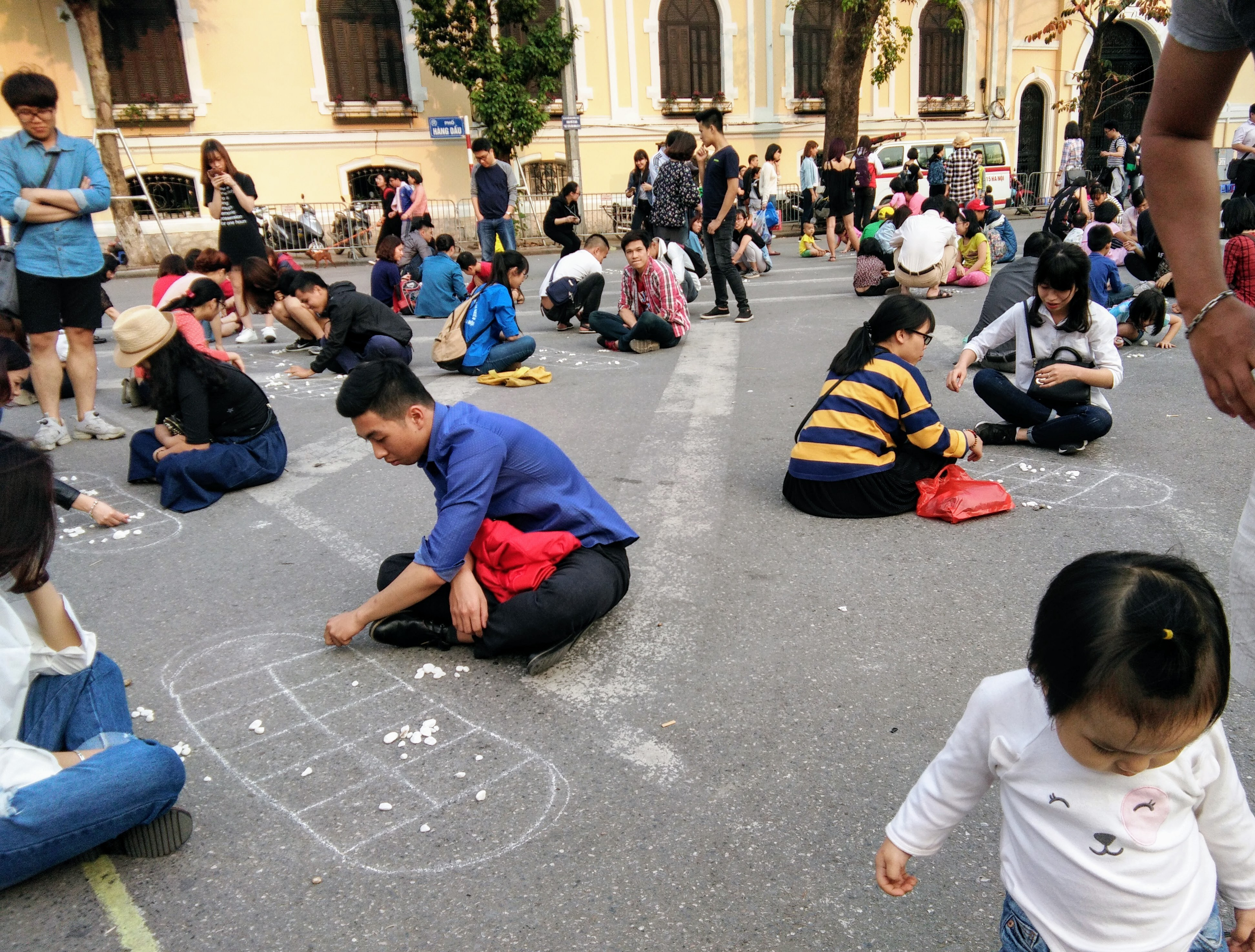 The weekly games around Hoàn Kiếm Lake in Hanoi Vietnam www.knowntoventure.com